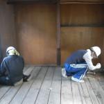 改修4日目(8/5):はなれの床を撤去