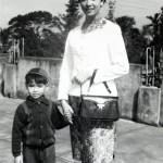 1. Young Lee Mingwei with his mother, 1969のコピー